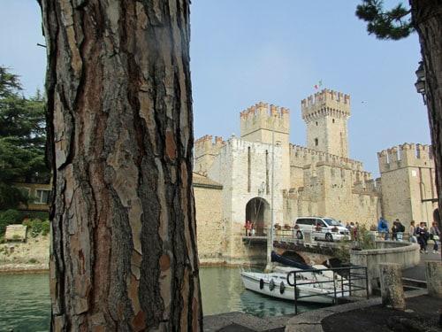 Sirimone Castle