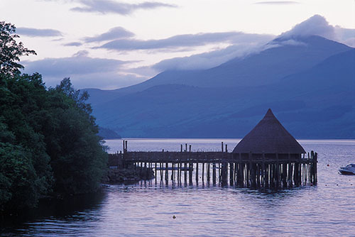 THE SCOTTISH CRANNOG CENTRE, KENMORE, PERTHSHIRE. PIC: P.TOMKINS/VisitScotland/SCOTTISH VIEWPOINT Tel: +44 (0) 131 622 7174 Fax: +44 (0) 131 622 7175 E-Mail : info@scottishviewpoint.com This photograph can not be used without prior permission from Scottish Viewpoint.