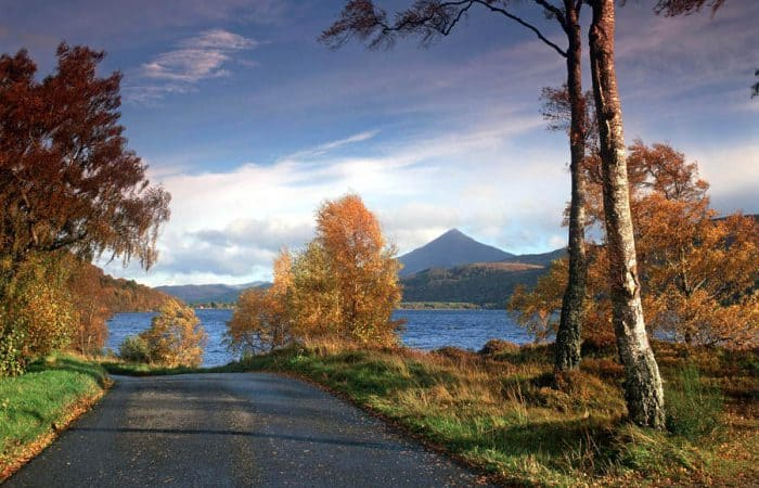 THE CONICAL MOUNTAIN OF SCHIEHALLION FROM THE SMALL ROAD BESIDE LOCH RANNOCH, NEAR KINLOCH RANNOCH, PERTHSHIRE