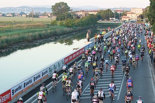 Cyclists on the Nove Colli